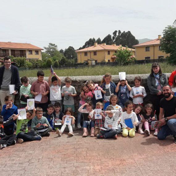 Foto de grupo con los alumnos del colegio de CArtes