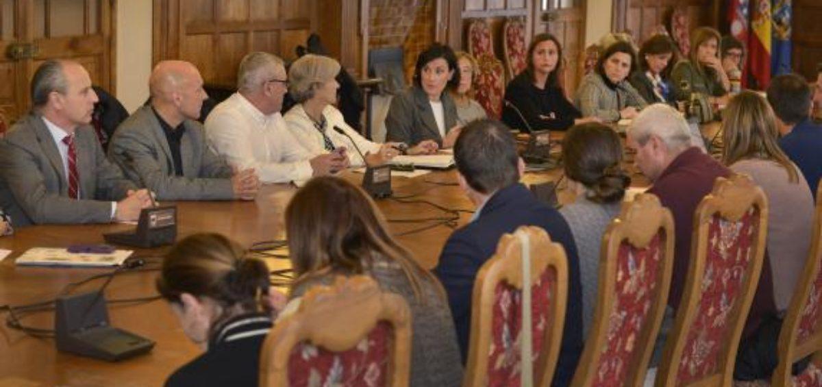 Asitentes a la 8ª Comisión Técnica del Pacto Territorial por el Empleo