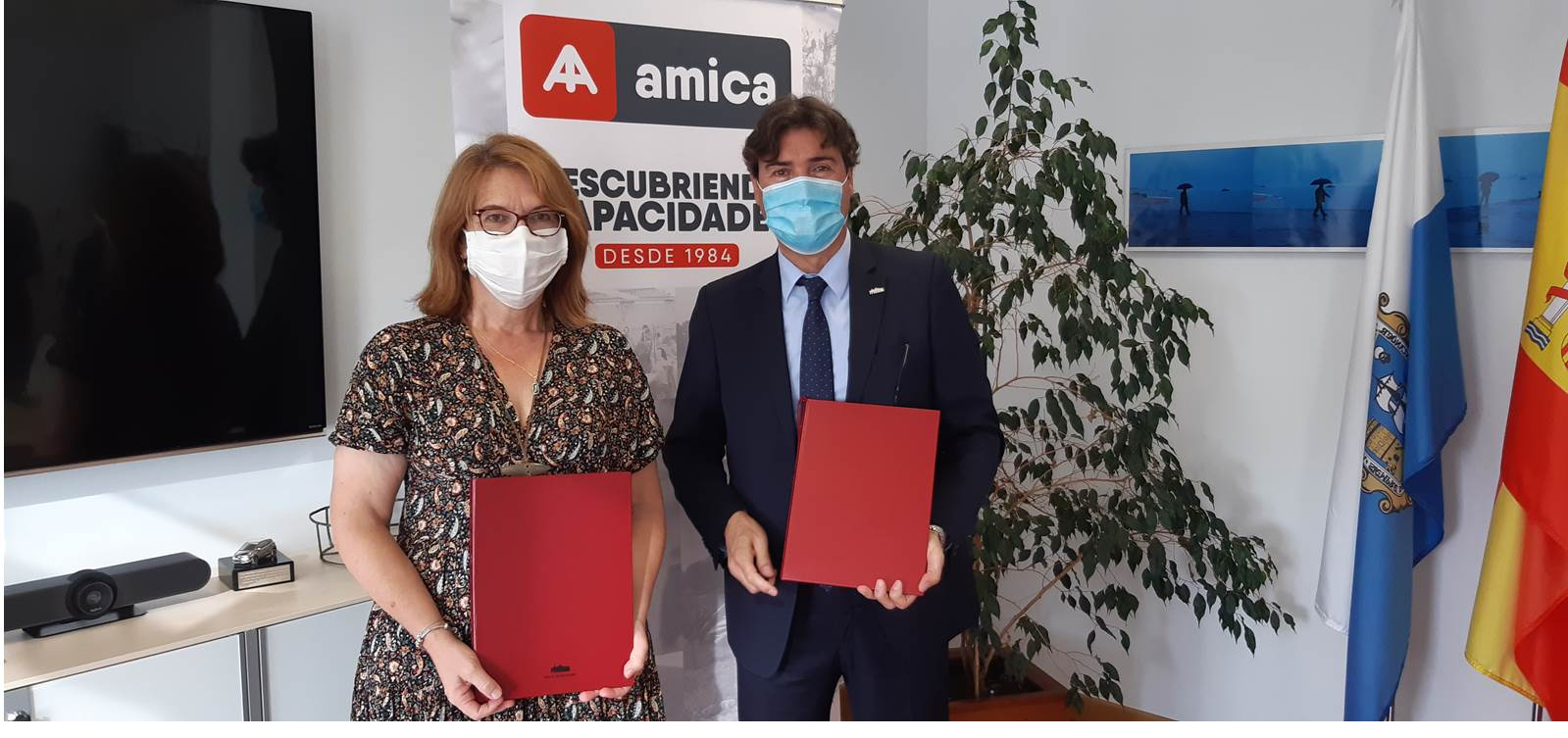 Presidente APS y Presidenta Amica