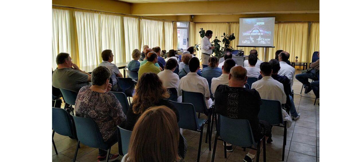 Asistentes a la charla responsable RRHH Gullón Marisma