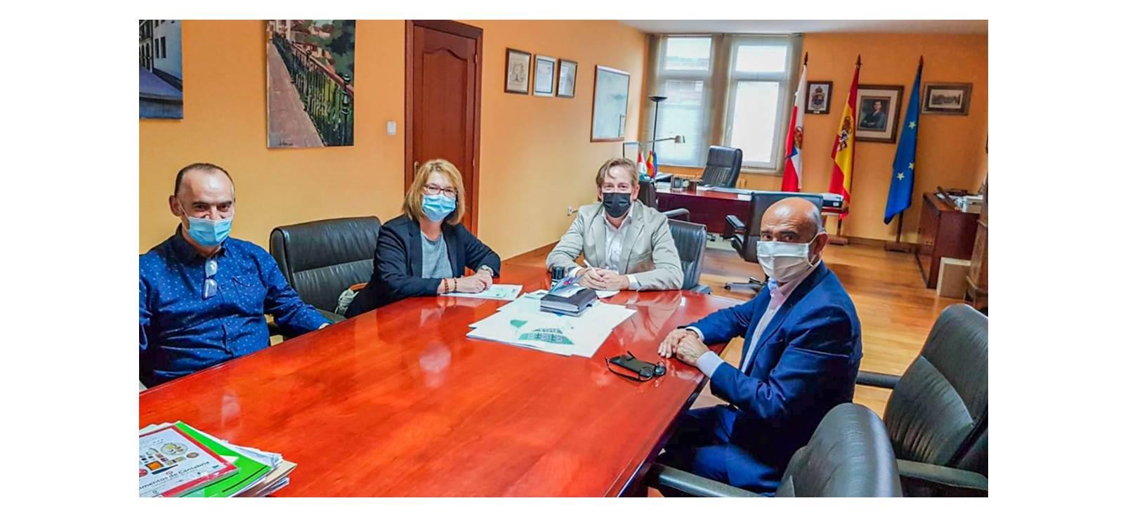 Amica Firma convenio discapacidad Ayuntamiento Reocín